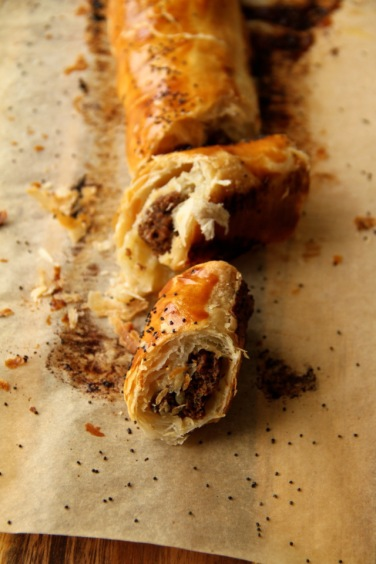 sujuk-sausage-roll3